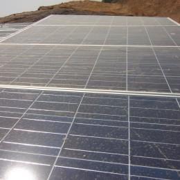 Installatie zonnepaal succes